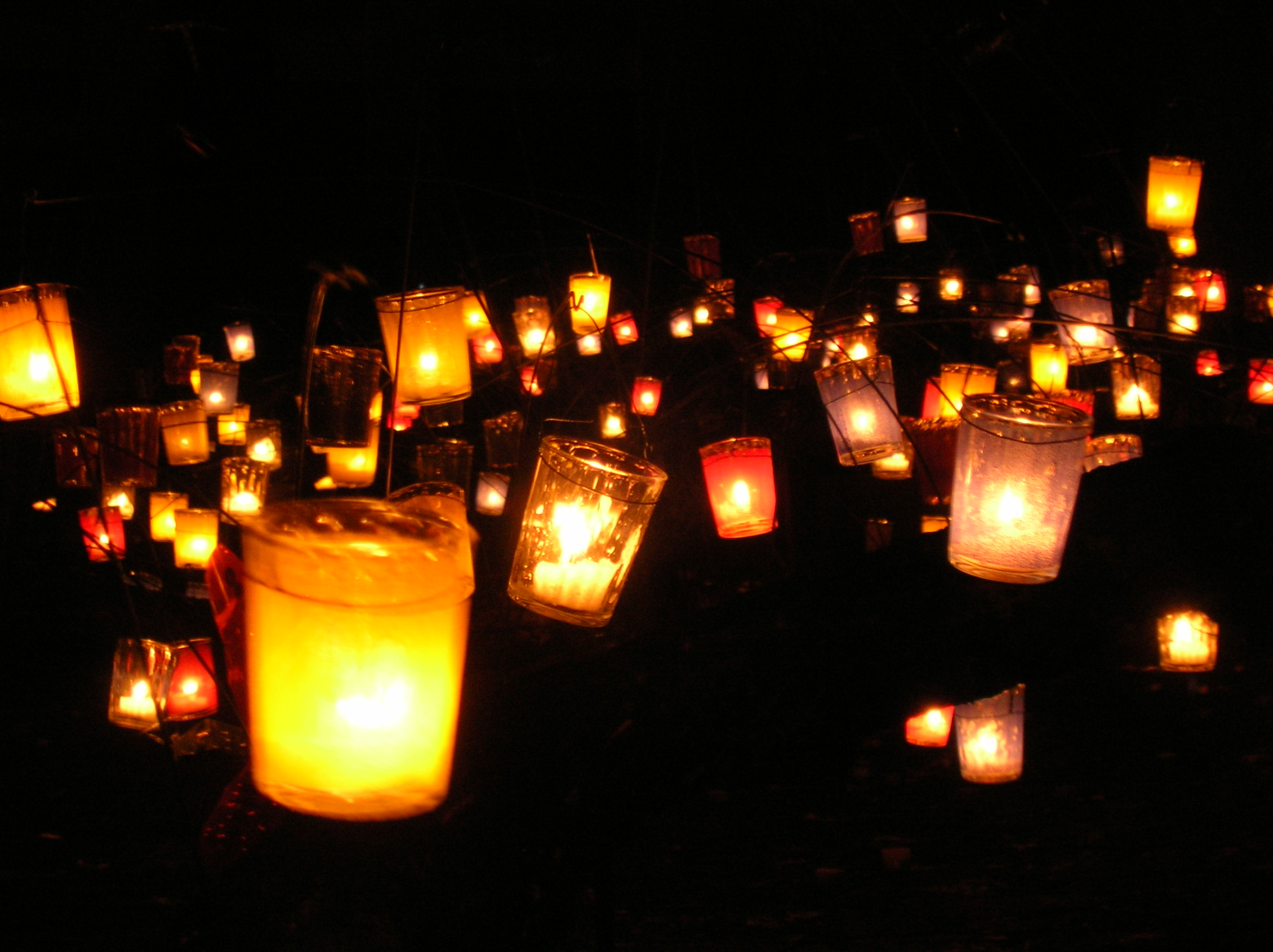 File multicolour candles 2 jpg wikimedia commons for Decoration lumignon 8 decembre