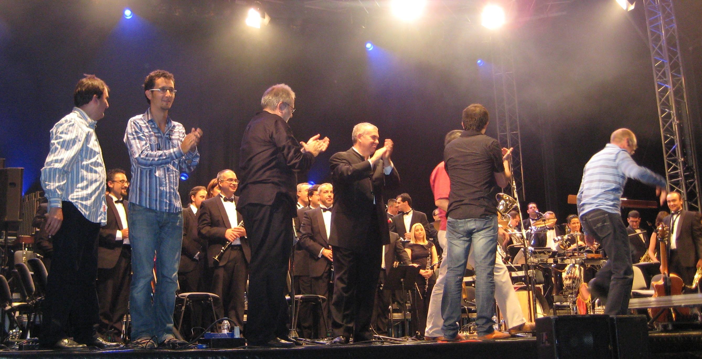 Oskorri con la Banda de Música de Bilbao en 2008