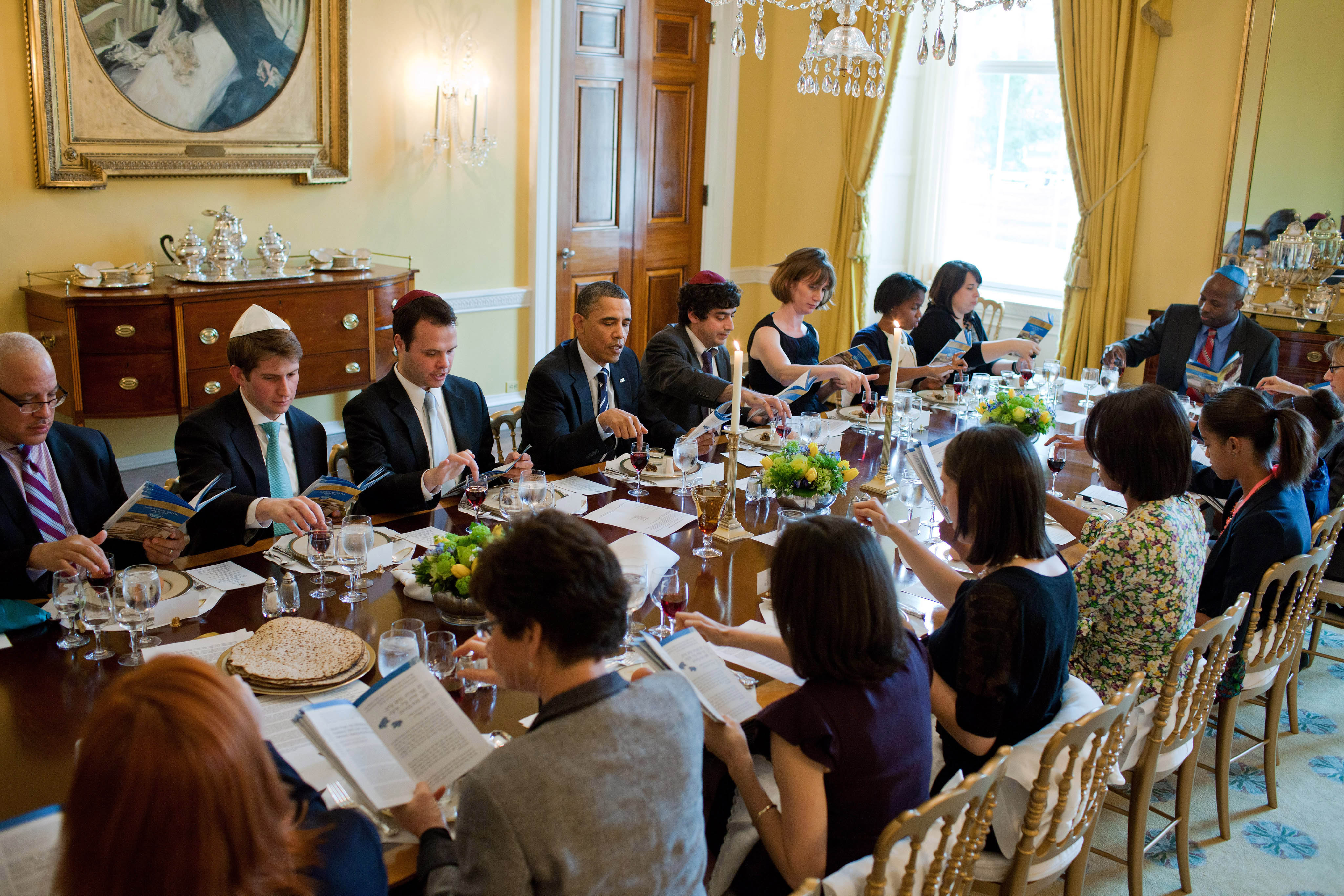 File Passover Seder Dinner At The White House