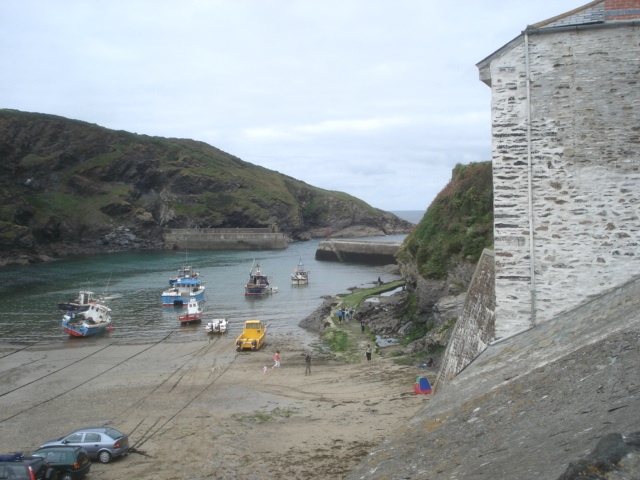 Port Isaac harbour - geograph.org.uk - 561067