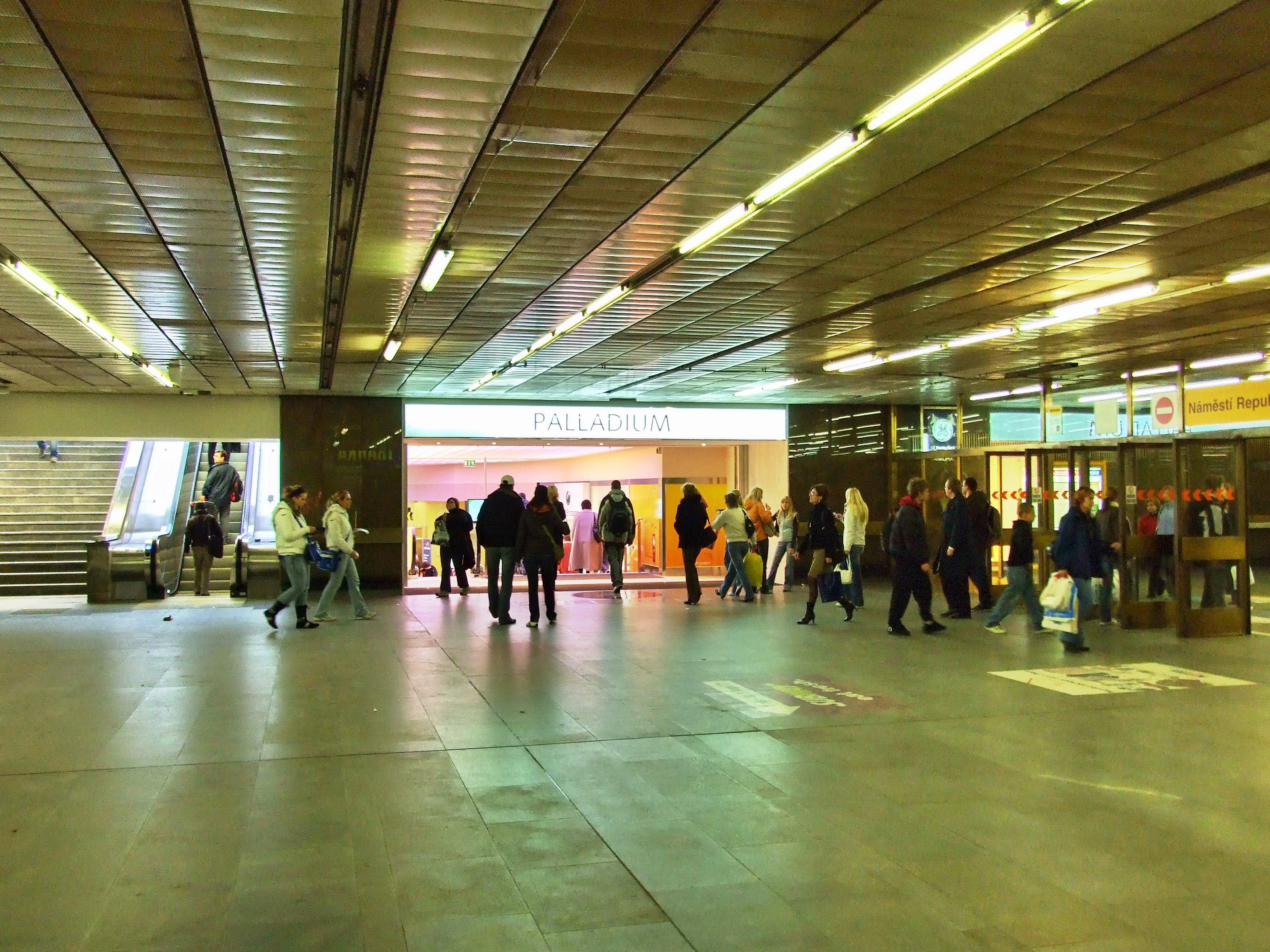 Palladium praha metro