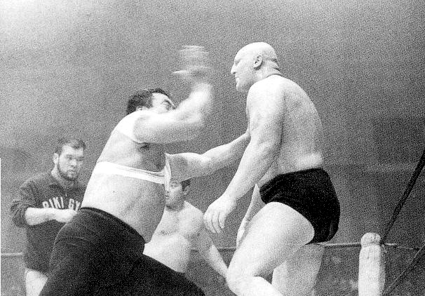 http://upload.wikimedia.org/wikipedia/commons/0/01/Rikidozan_and_karate-chop.jpg