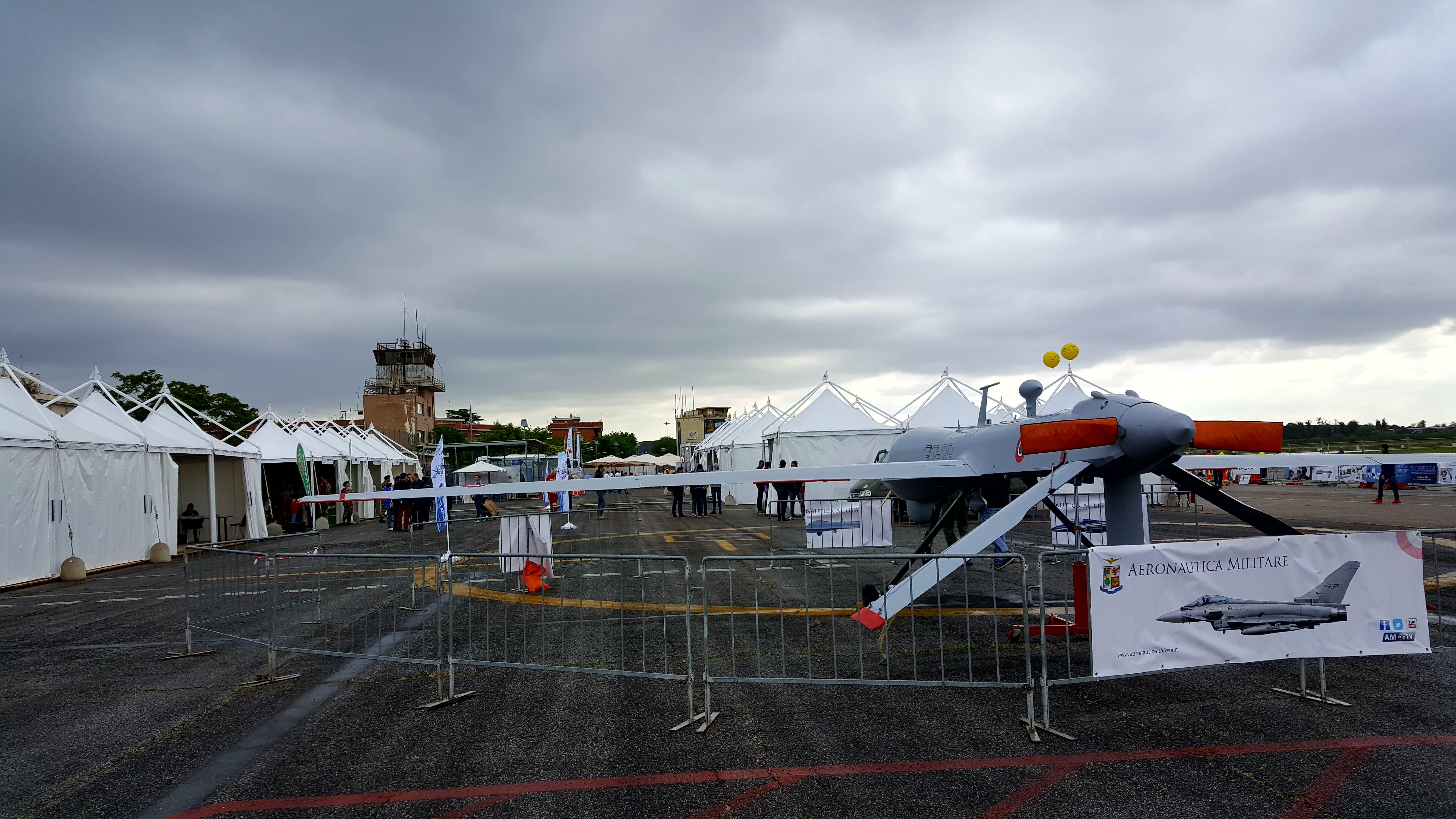 Aeroporto Urbe : File roma drone show aeroporto di roma urbe eg wikimedia