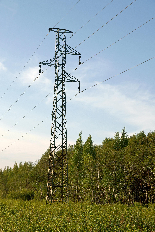 File:Sähkötolppa.jpg - Wikimedia Commons