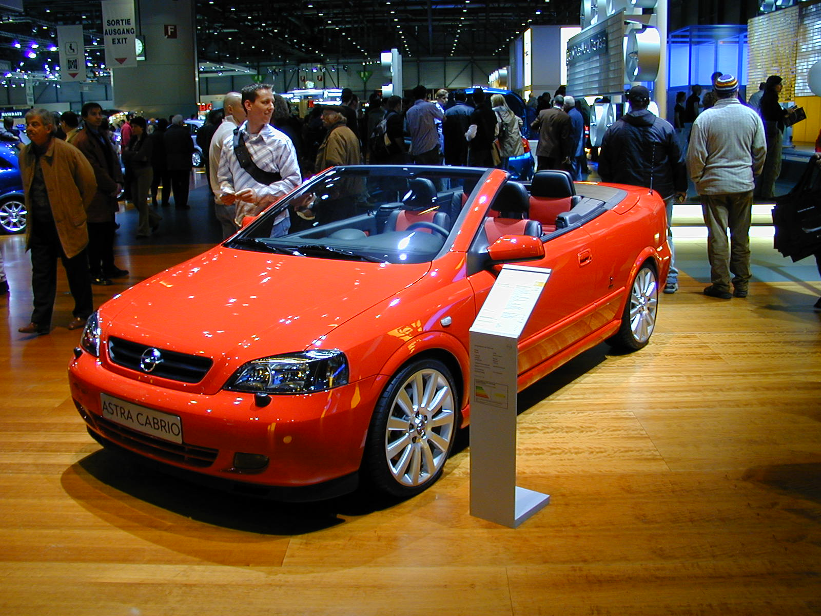 bestand sag2004 028 opel astra cabrio jpg wikipedia. Black Bedroom Furniture Sets. Home Design Ideas