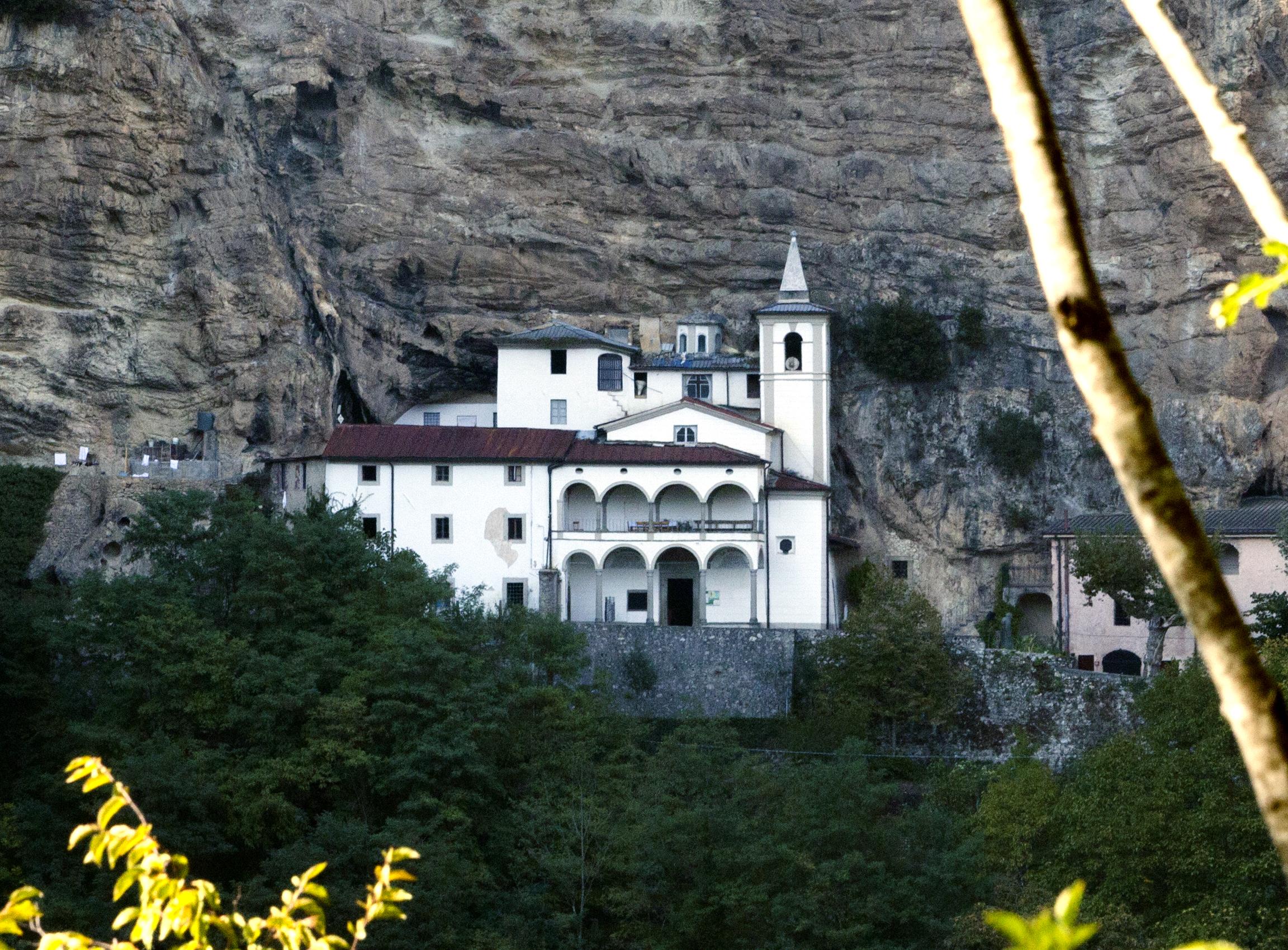 Santuario Mariano Eremo di Calomini  in Fabbriche di Vergemoli (Giovanni Sighele)