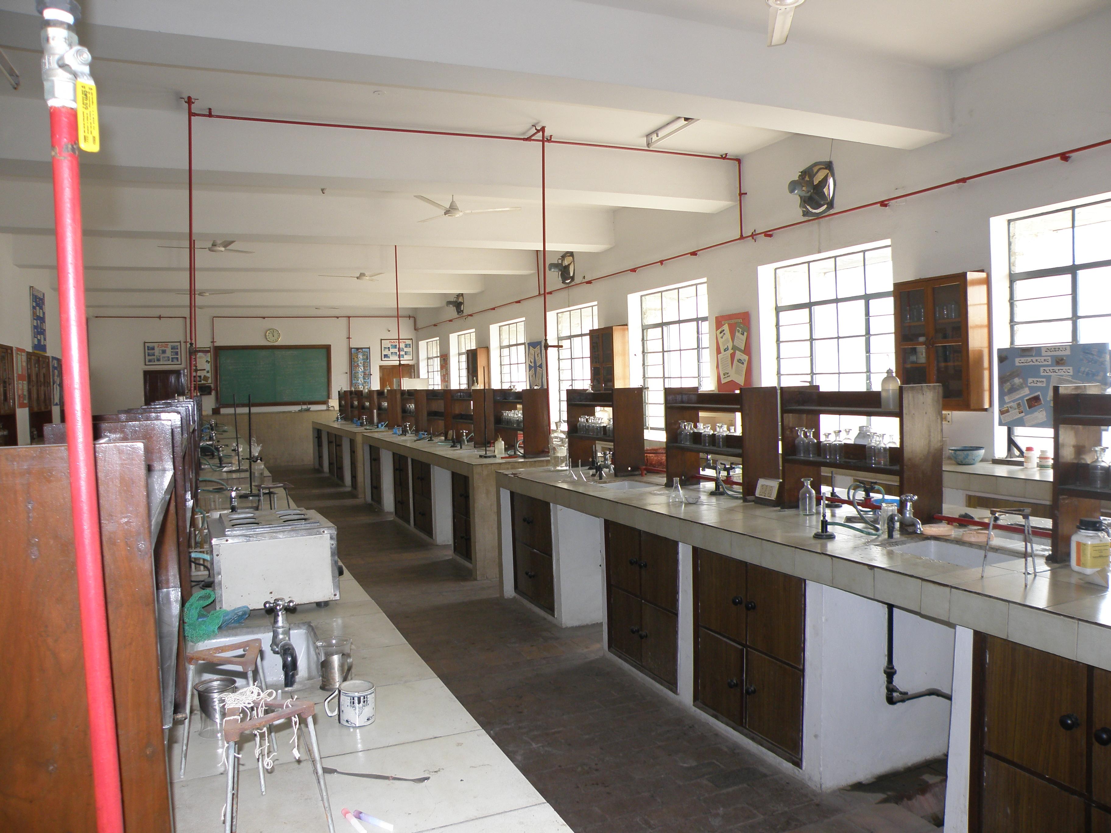 Valentine Design Ideas File Senior Chemistry Lab At Mother S International School