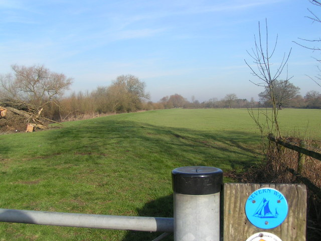Severn Way footpath along the river - geograph.org.uk - 684826