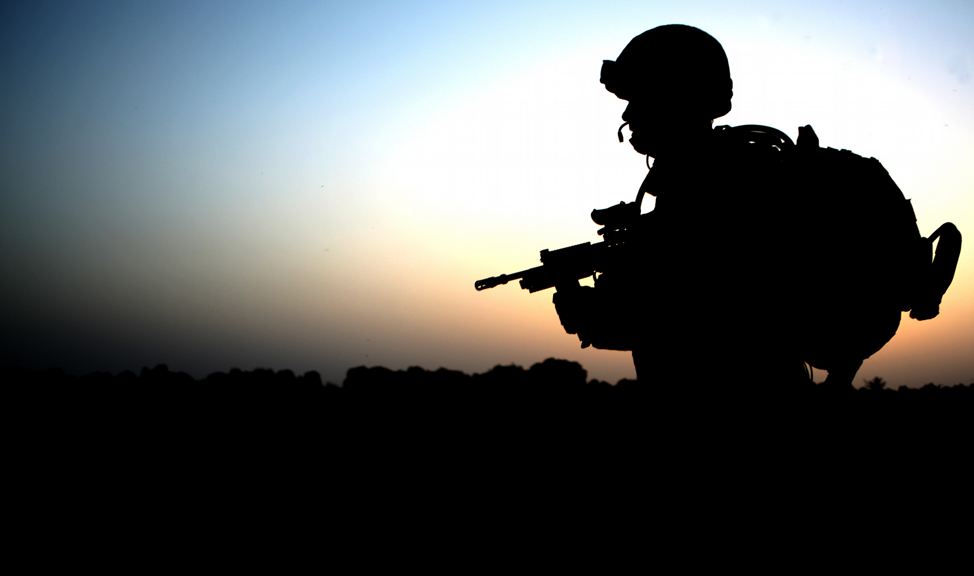 File:Soldier with 1 Welsh Guards Returns from a Patrol in ...