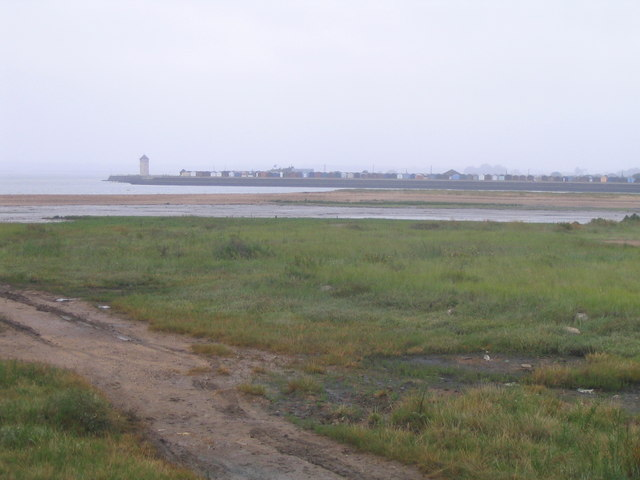 File:St Osyth Stone Point - geograph.org.uk - 534846.jpg