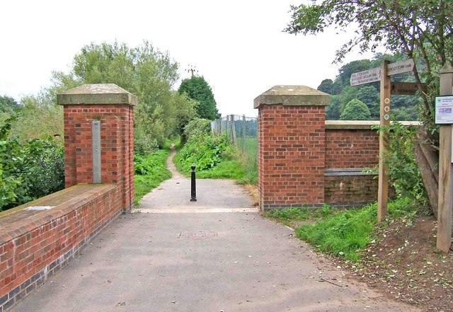 Start of riverside walk from Bewdley to Blackstone Riverside Park - geograph.org.uk - 962624