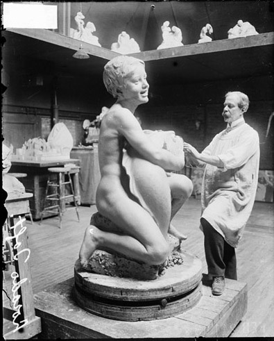Taft at work on Fountain of the Great Lakes in 1913 in Lorado Taft Midway Studios Taft at work on Fountain of Time.jpg