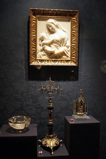 File:Tesoro de la catedral de Sevilla 1.JPG