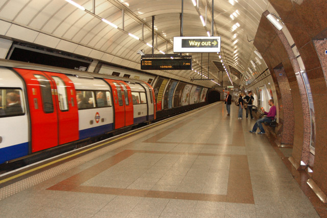 Train arriving at Angel underground station - geograph.org.uk - 1522074