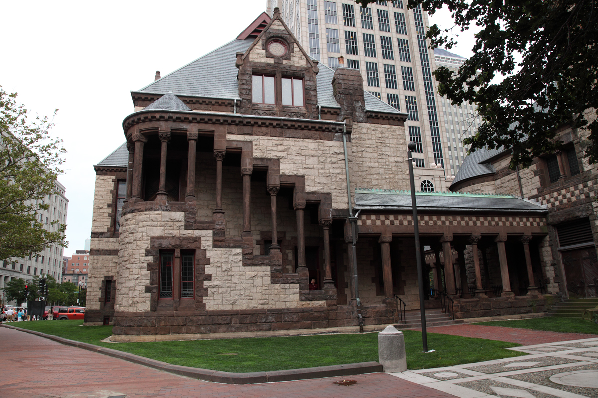 File:Trinity Church, Exterior Staircase