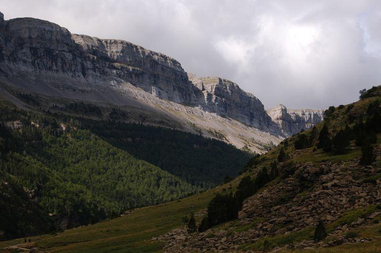 File:Valle de Ordesa 4.JPG
