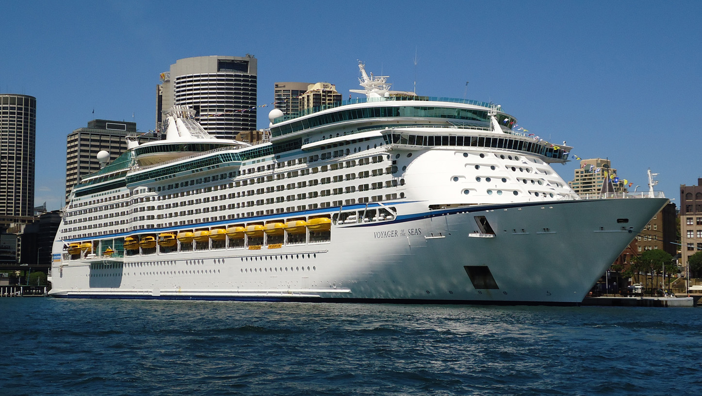 File Voyager Of The Seas In Sydney Jpg Wikimedia Commons