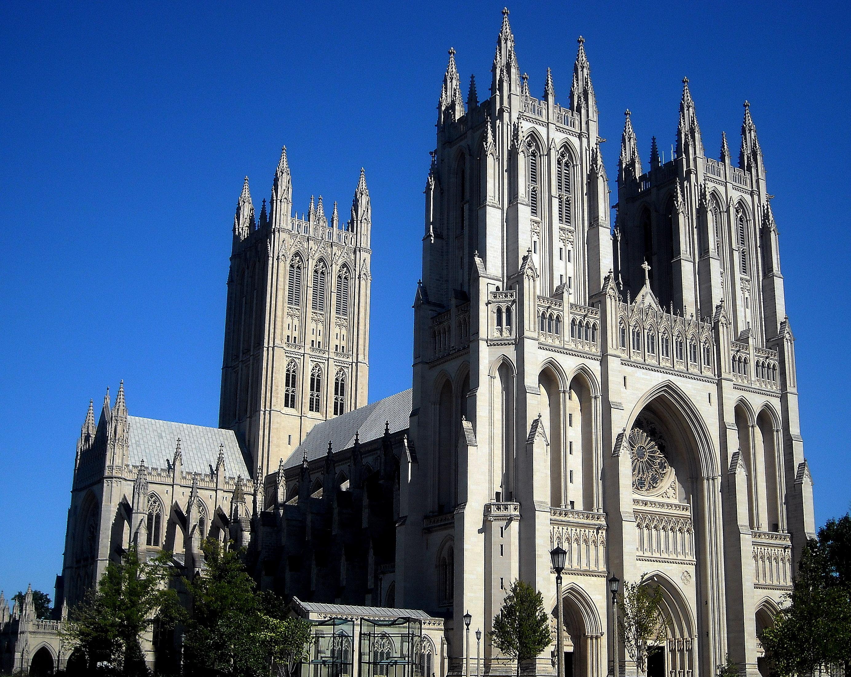 http://upload.wikimedia.org/wikipedia/commons/0/01/Washington_National_Cathedral_in_Washington%2C_D.C..jpg