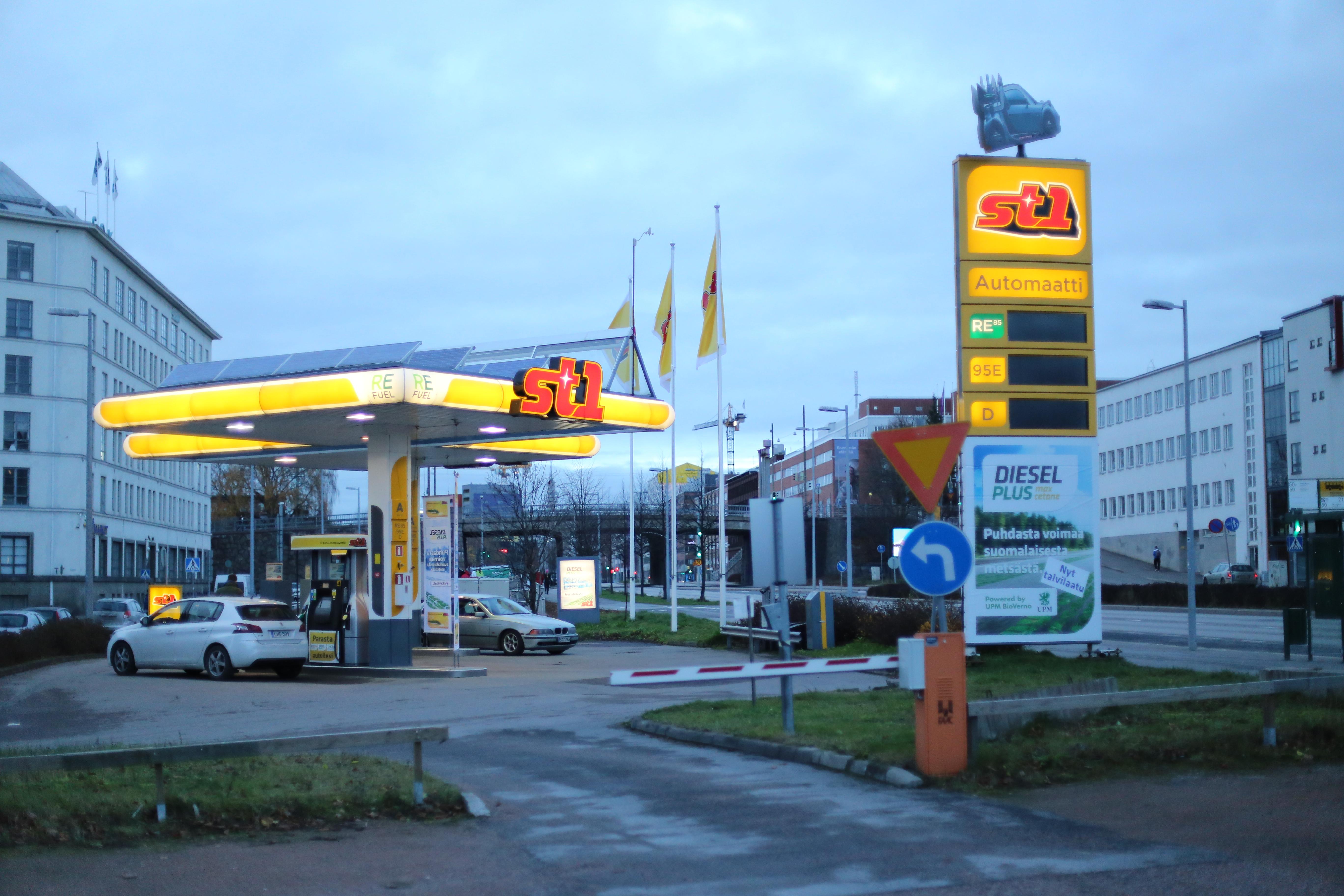 Find Me The Closest Gas Station >> Tiedosto 0667 St1 Gas Station Vallila Helsinki Jpg Wikipedia
