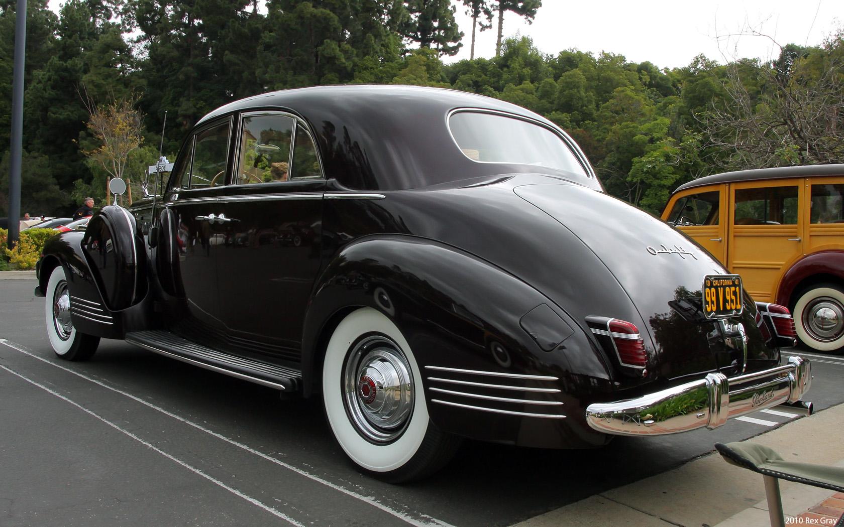 1941_Packard_180_LeBaron_Sport_Brougham_