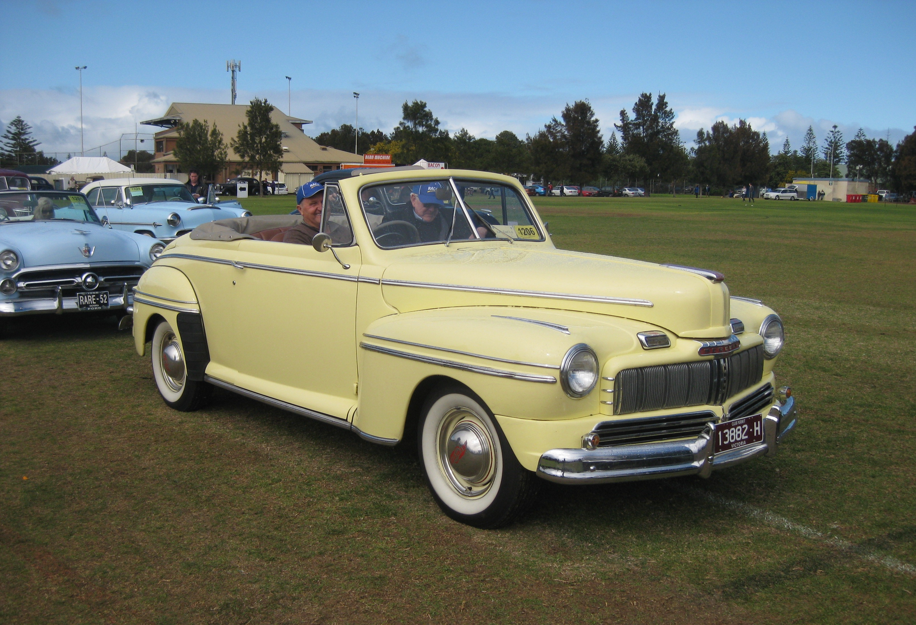 Build Your Own Ford >> File:1946 Mercury Club Convertible.JPG - Wikimedia Commons