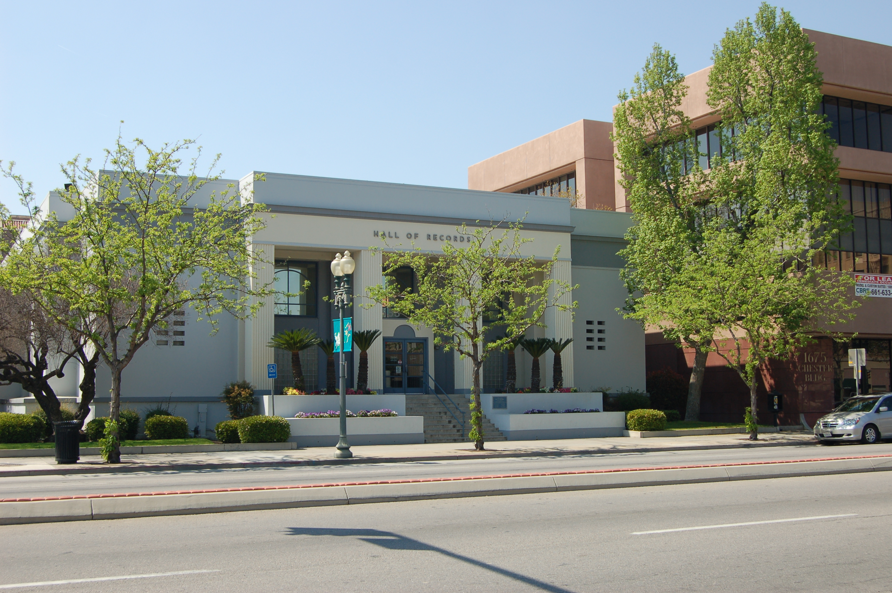 Kern County Hall of Records - Wikipedia