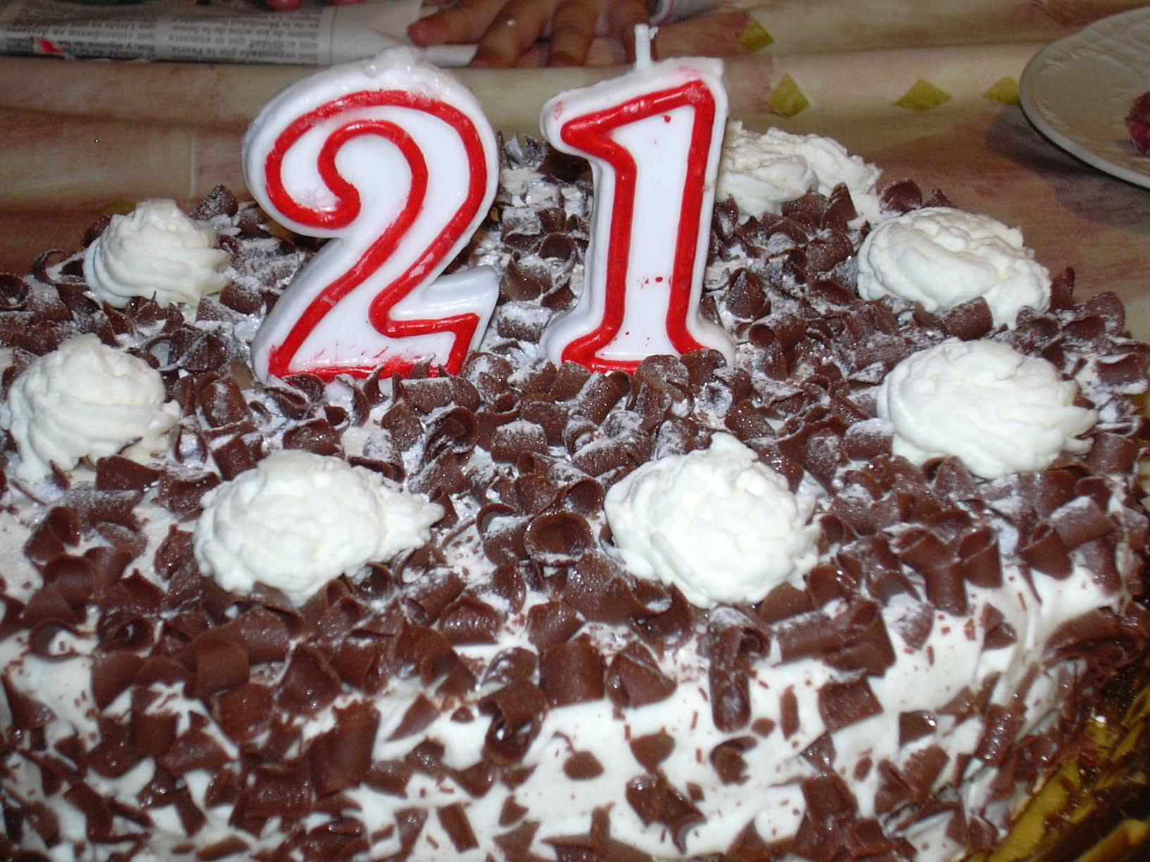 http://upload.wikimedia.org/wikipedia/commons/0/02/21st_Birthday_cake.jpg