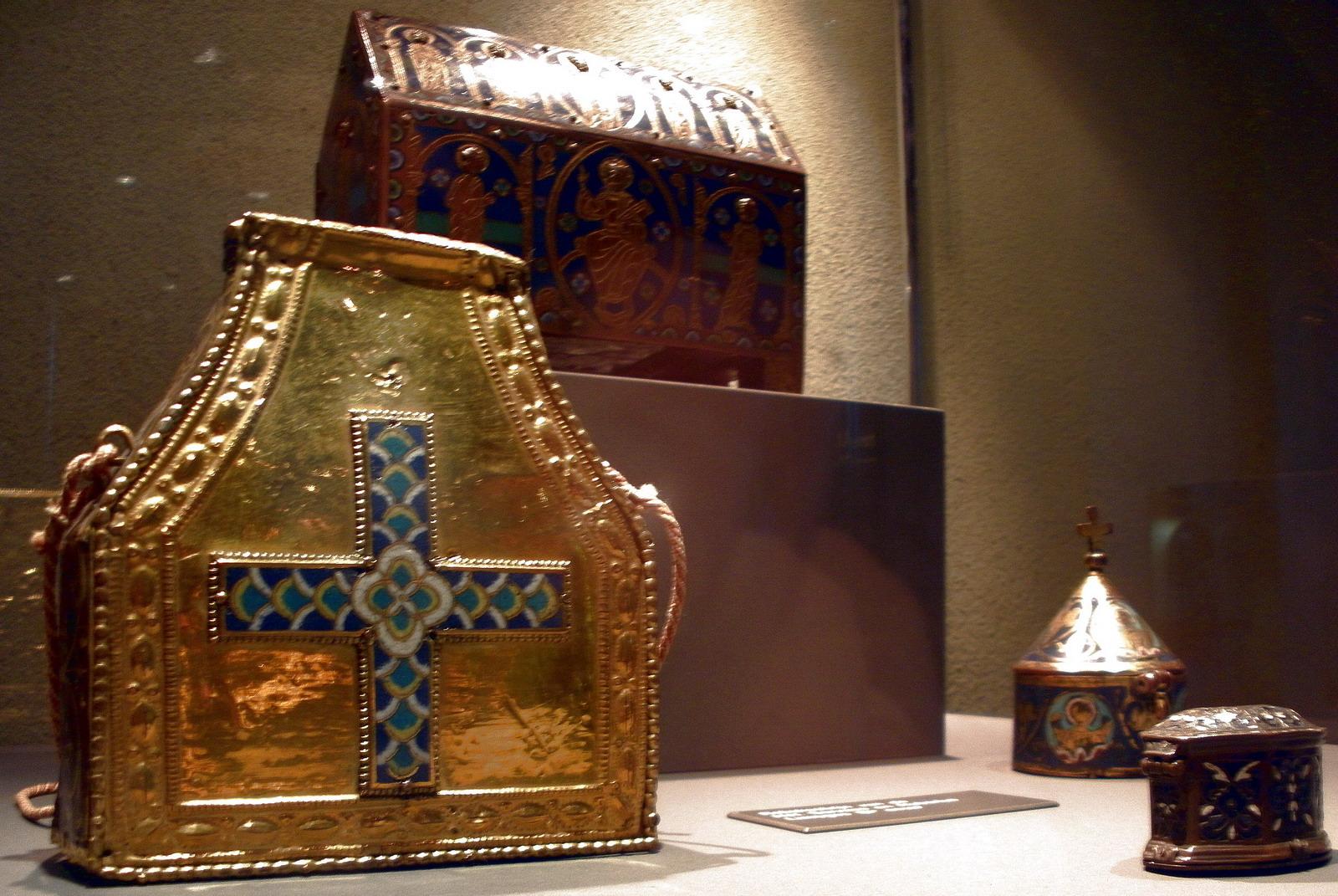Portable Reliquaries