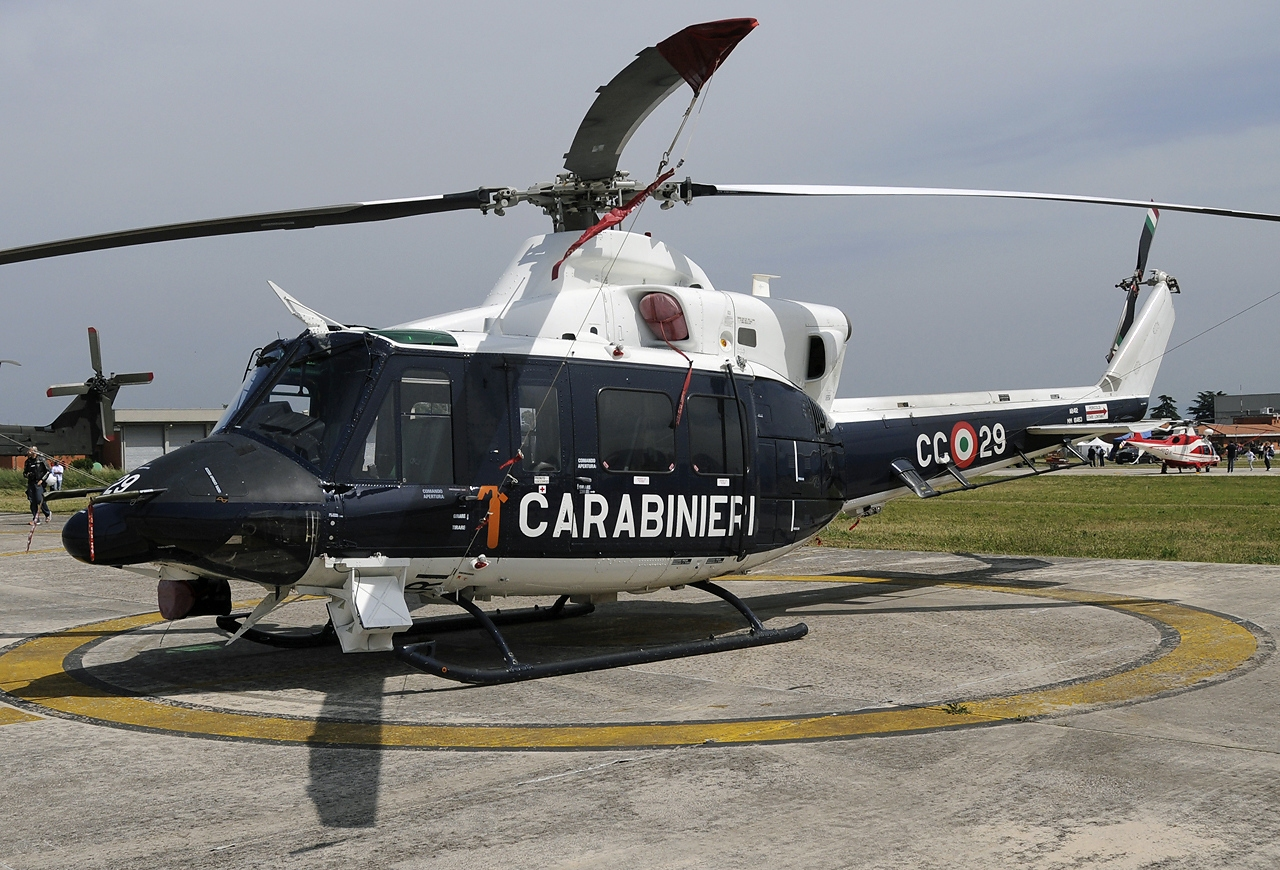 Osprey Elicottero : File agusta bell ab hp italy arma dei carabinieri