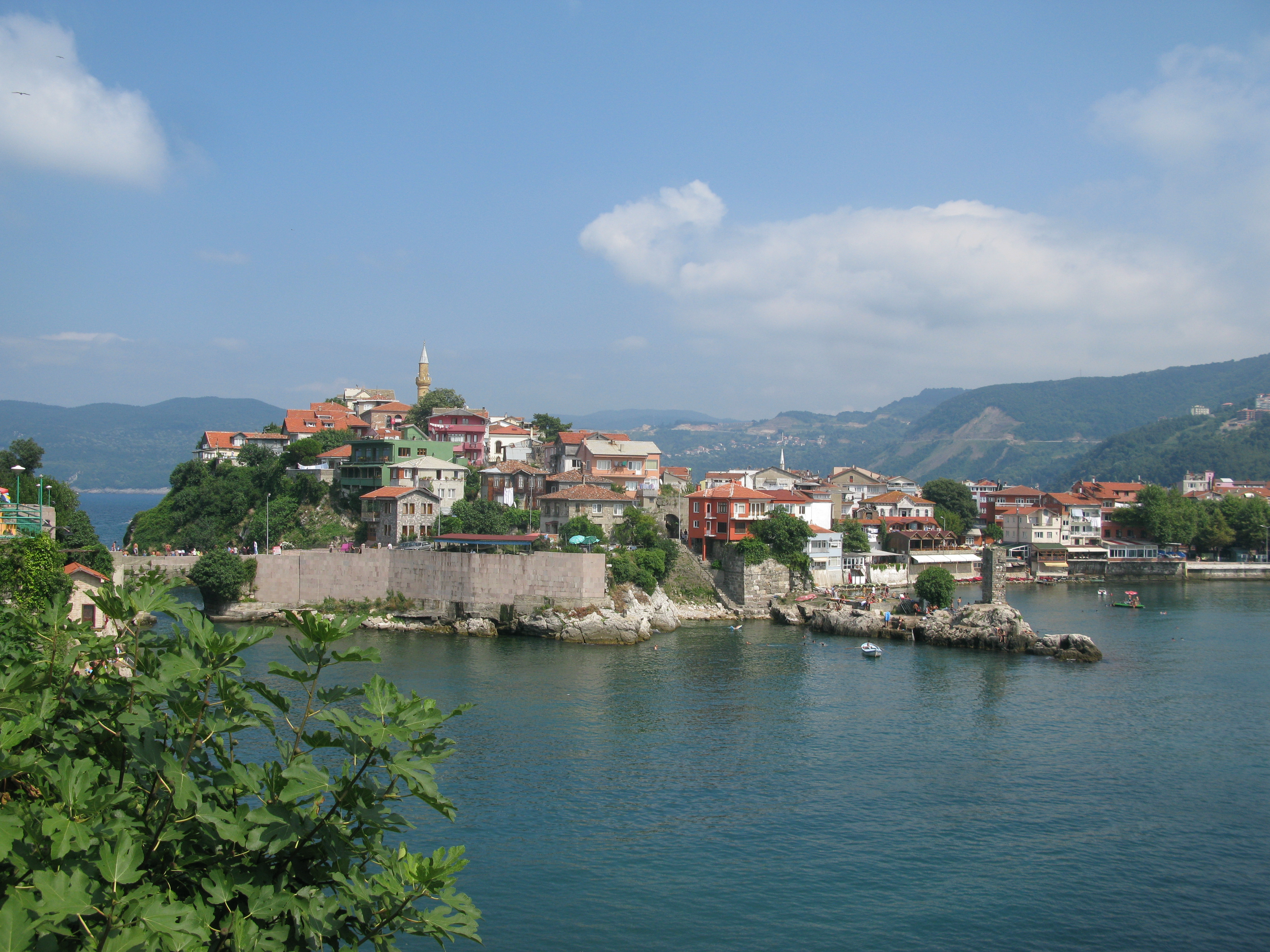 File:Amasra, Turkey, Castle, view from the island.jpg ...