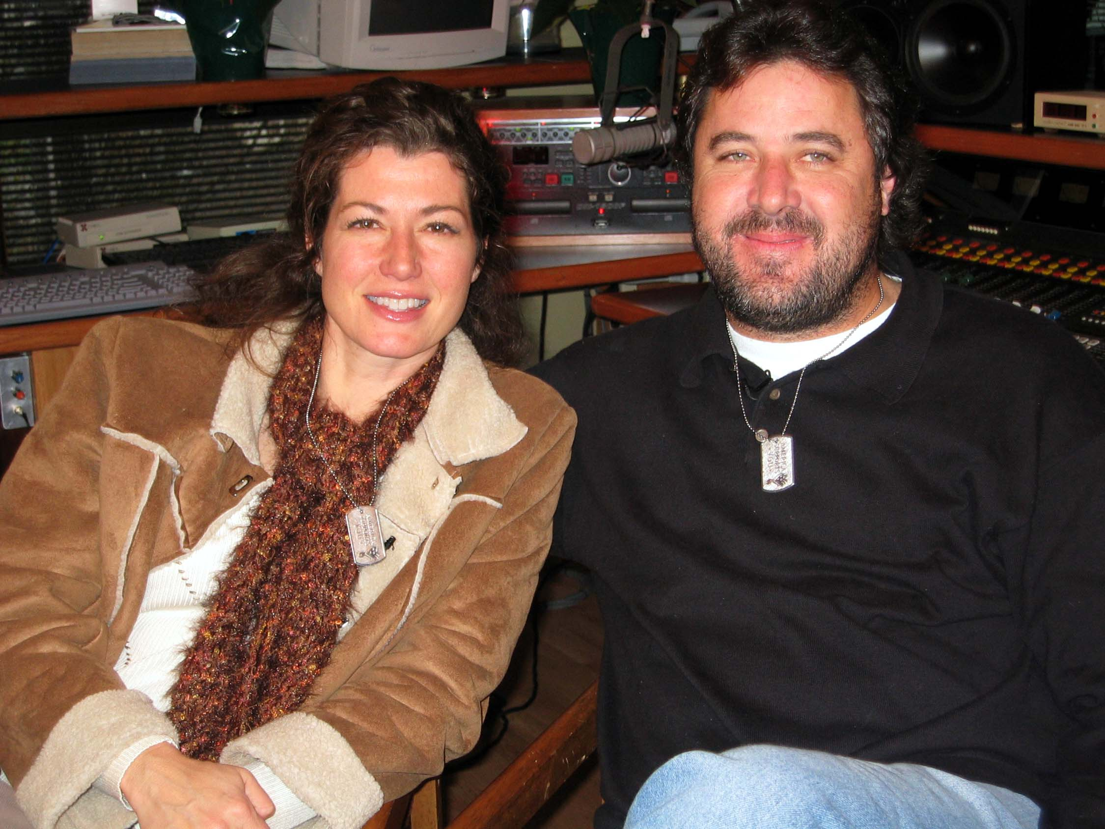 Description Amy Grant and Vince Gill.jpg