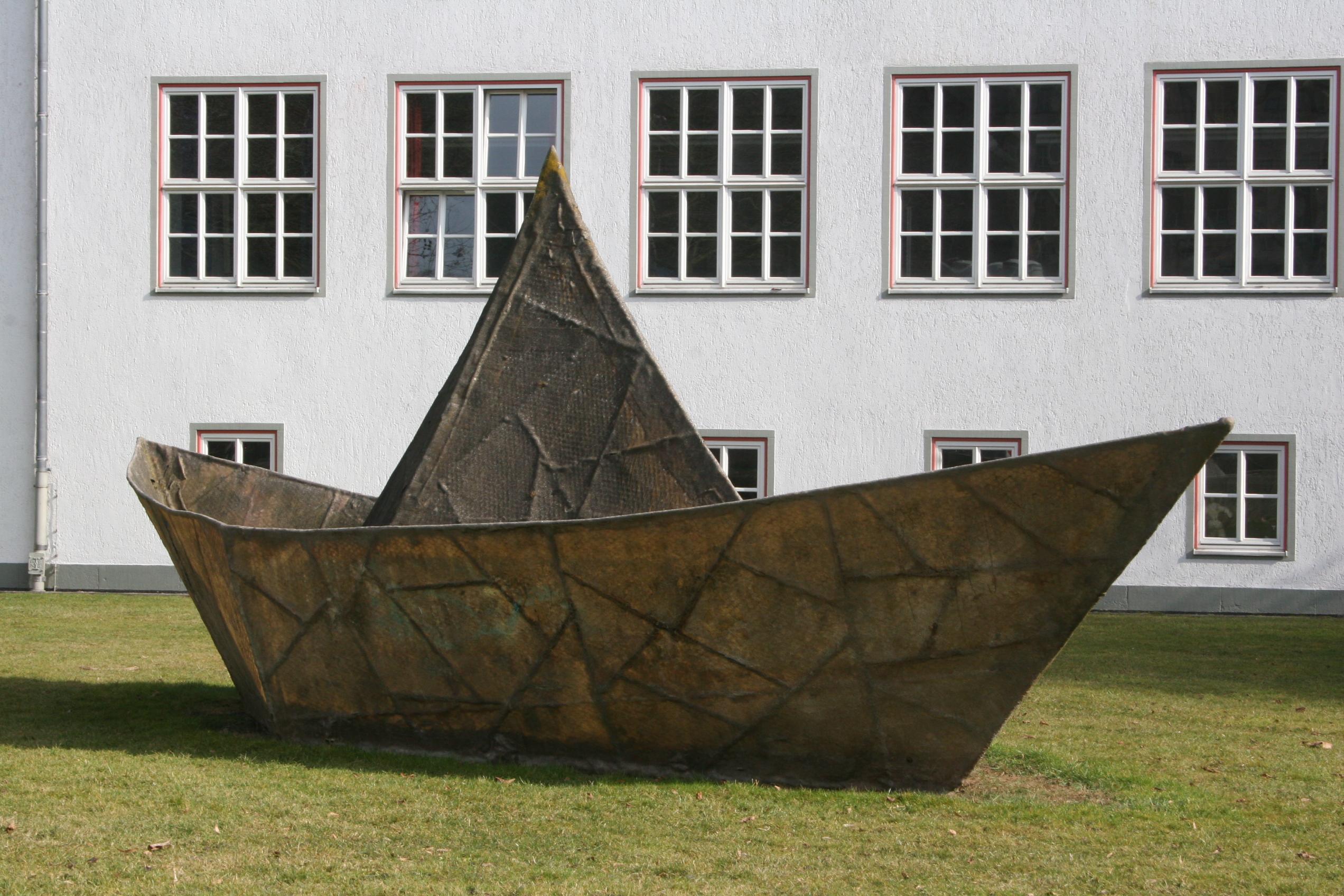 Anatol Herzfeld - Traumschiff auf der Dokumenta XI in Kassel - Quelle: WikiCommons