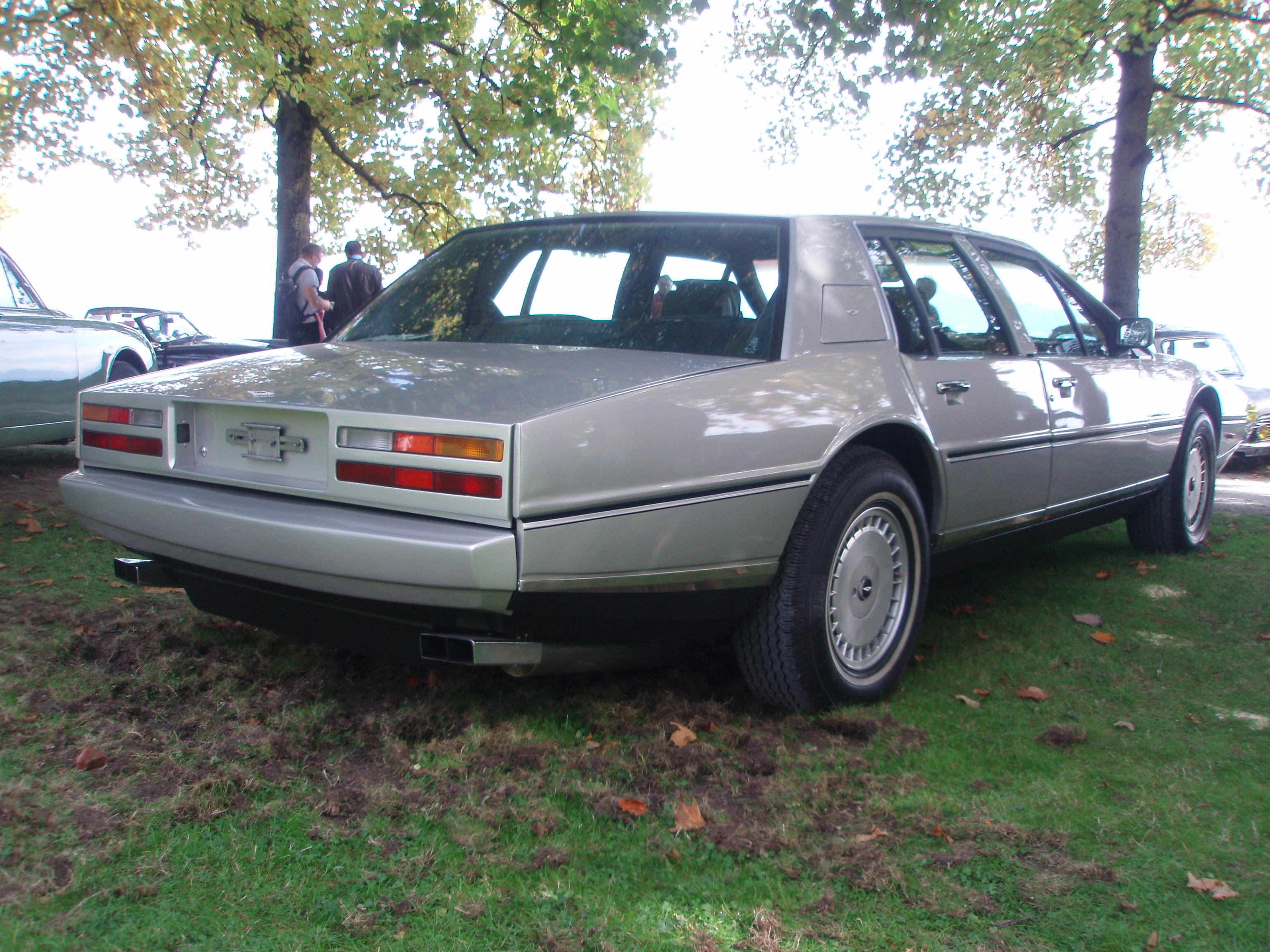 Datei Aston Martin Lagonda In Morges 2012 4 Jpg Wikipedia