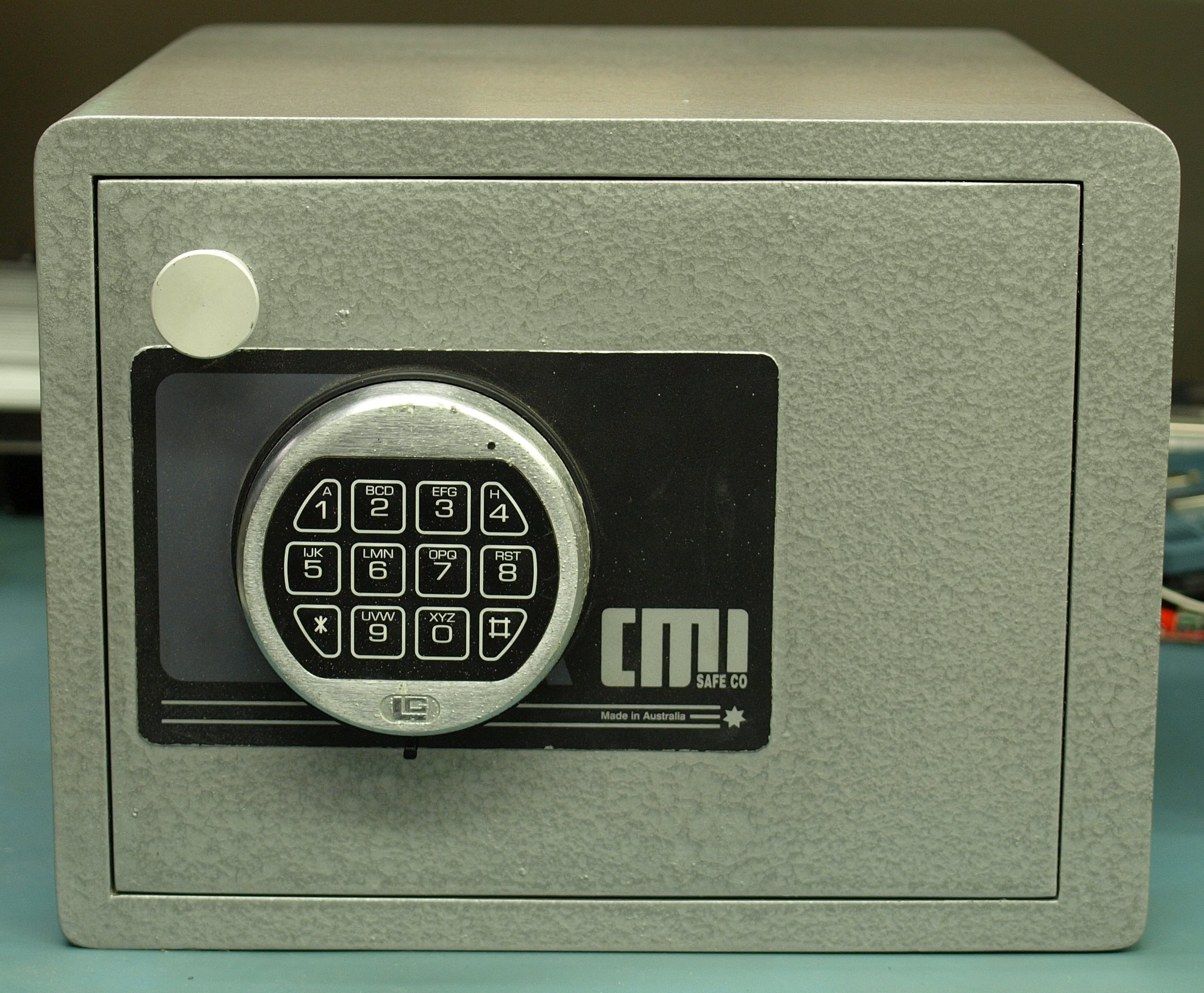 Safety For Safes : File australian made cmi h d home safe g wikimedia commons