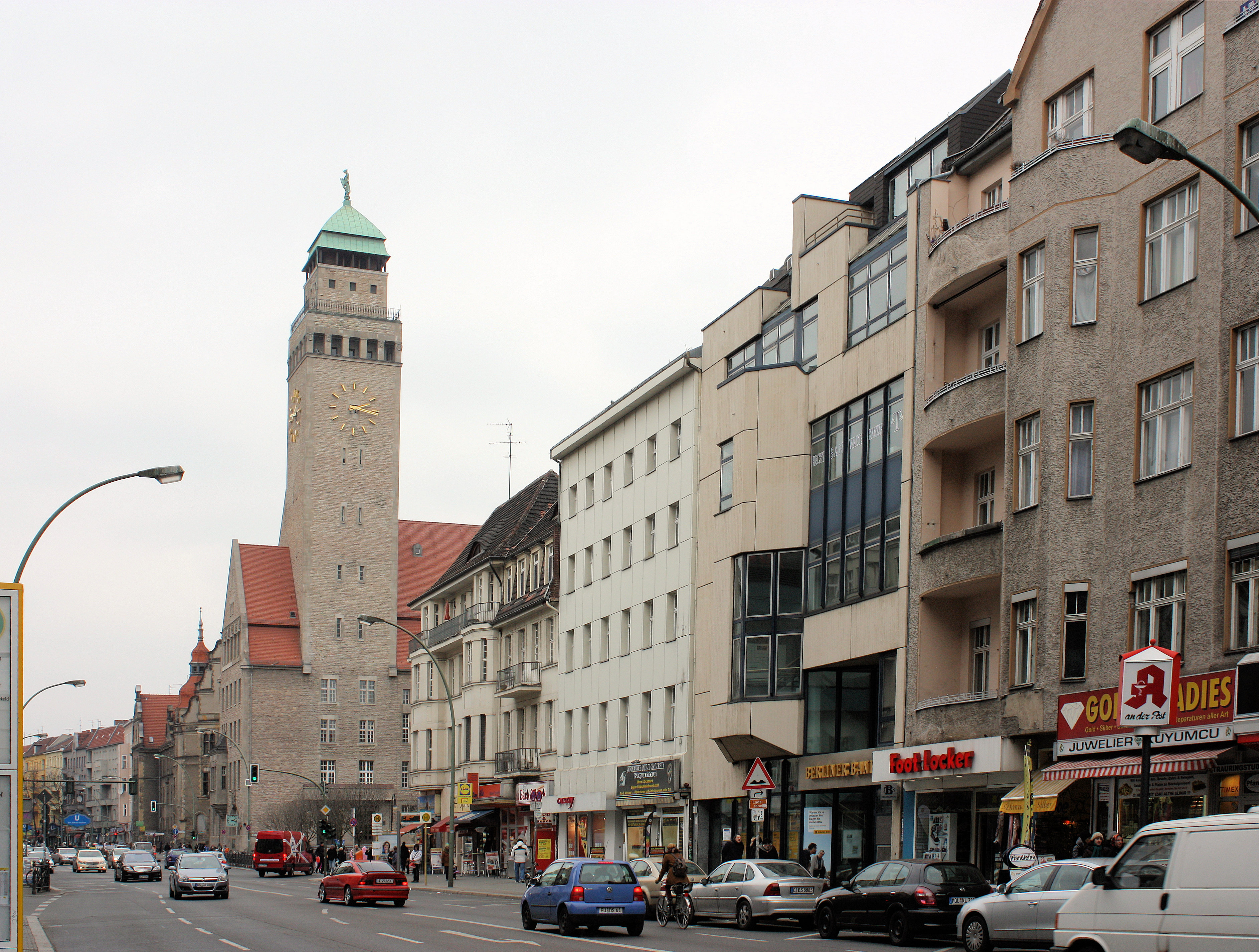file berlin neuk lln view to the town hall jpg wikimedia commons. Black Bedroom Furniture Sets. Home Design Ideas