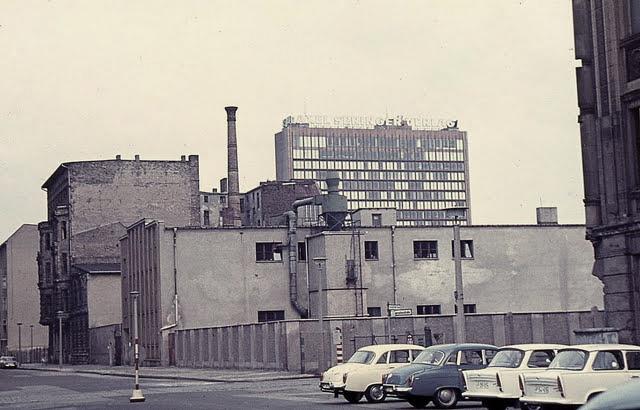 Berlin wall-2.jpg