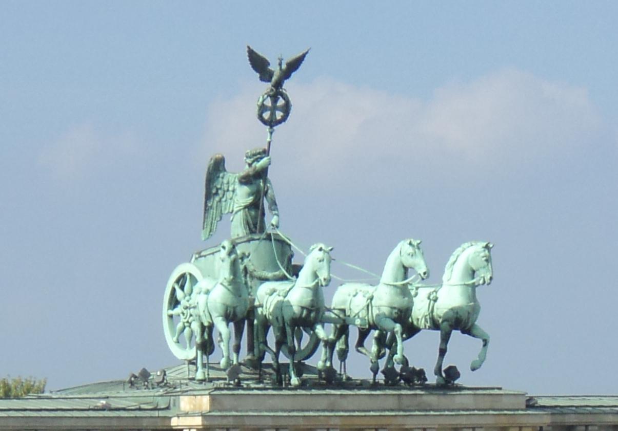 File Brandenburger Tor Ostansicht Quadriga Jpg Wikimedia Commons