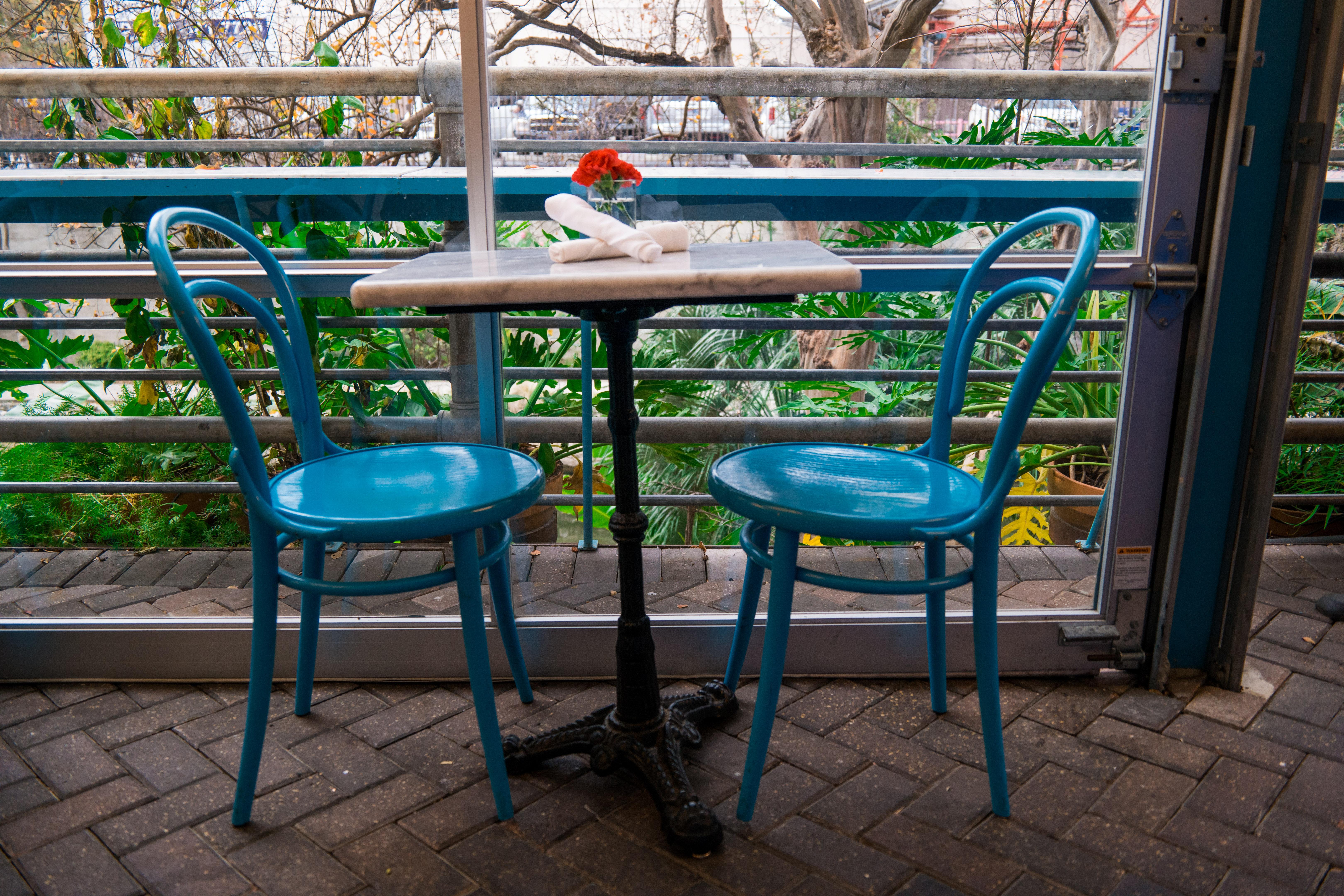 File:Cafe Table At Ocho Restaurant, San Antonio, Texas (2014 12
