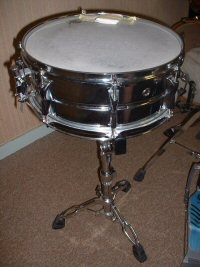 Snare drum Type of percussion instrument
