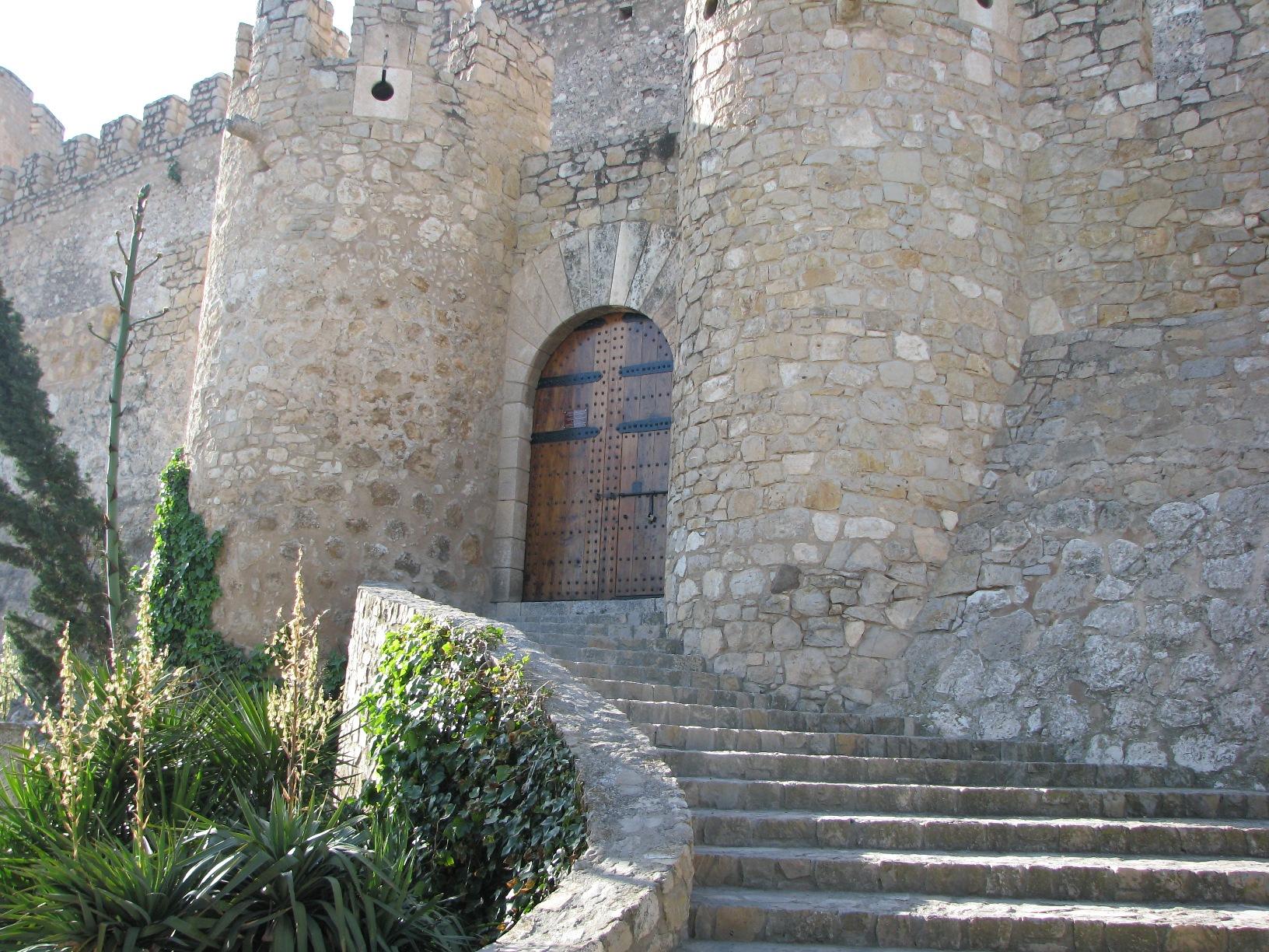 File castillo de la atalaya puerta de - Entradas baratas castillo de las guardas ...