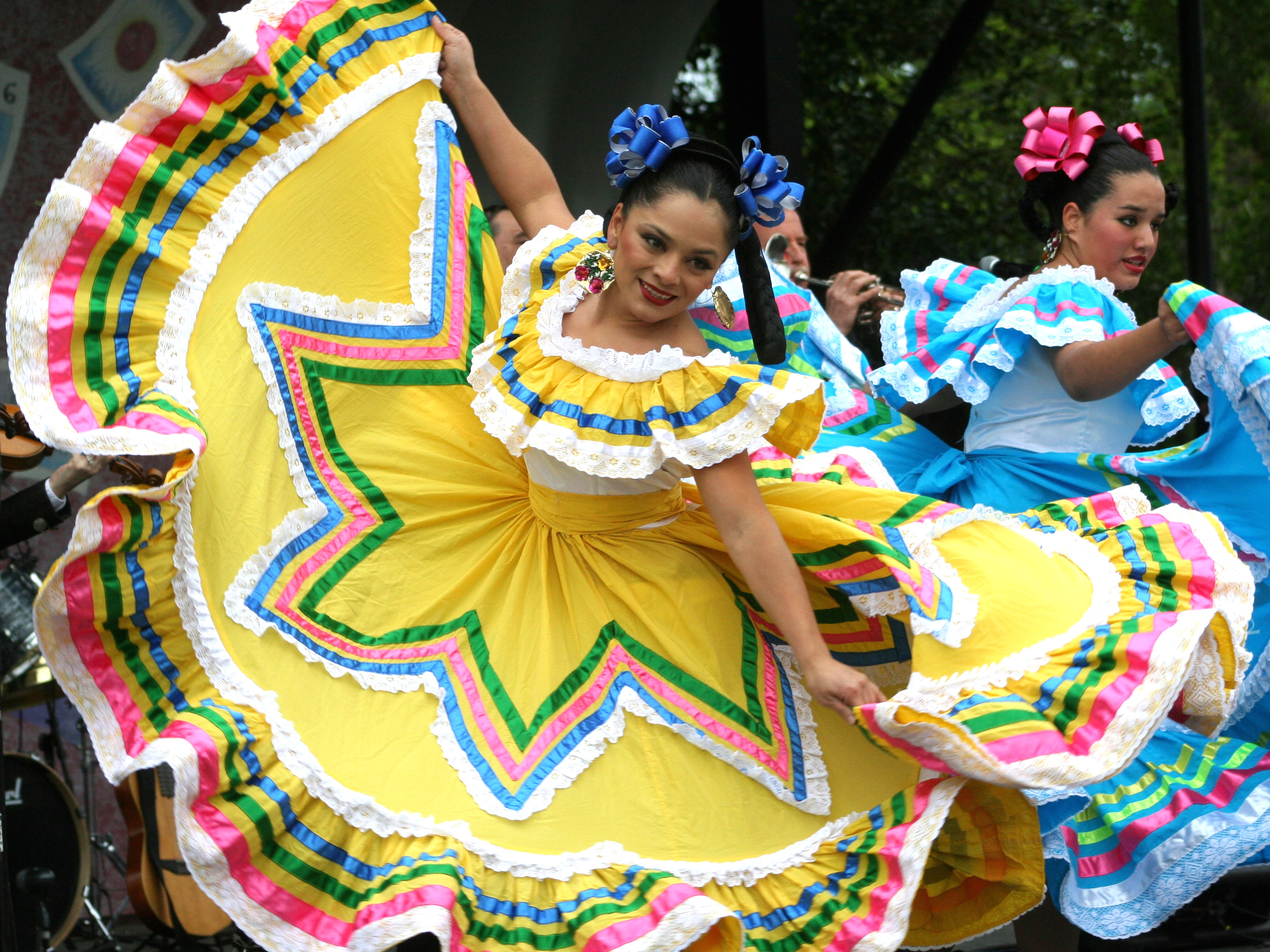 photo of Mexican dancers