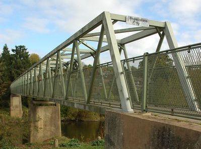 Cropped image of footbridge at Upper Arley - geograph org uk - 1544619