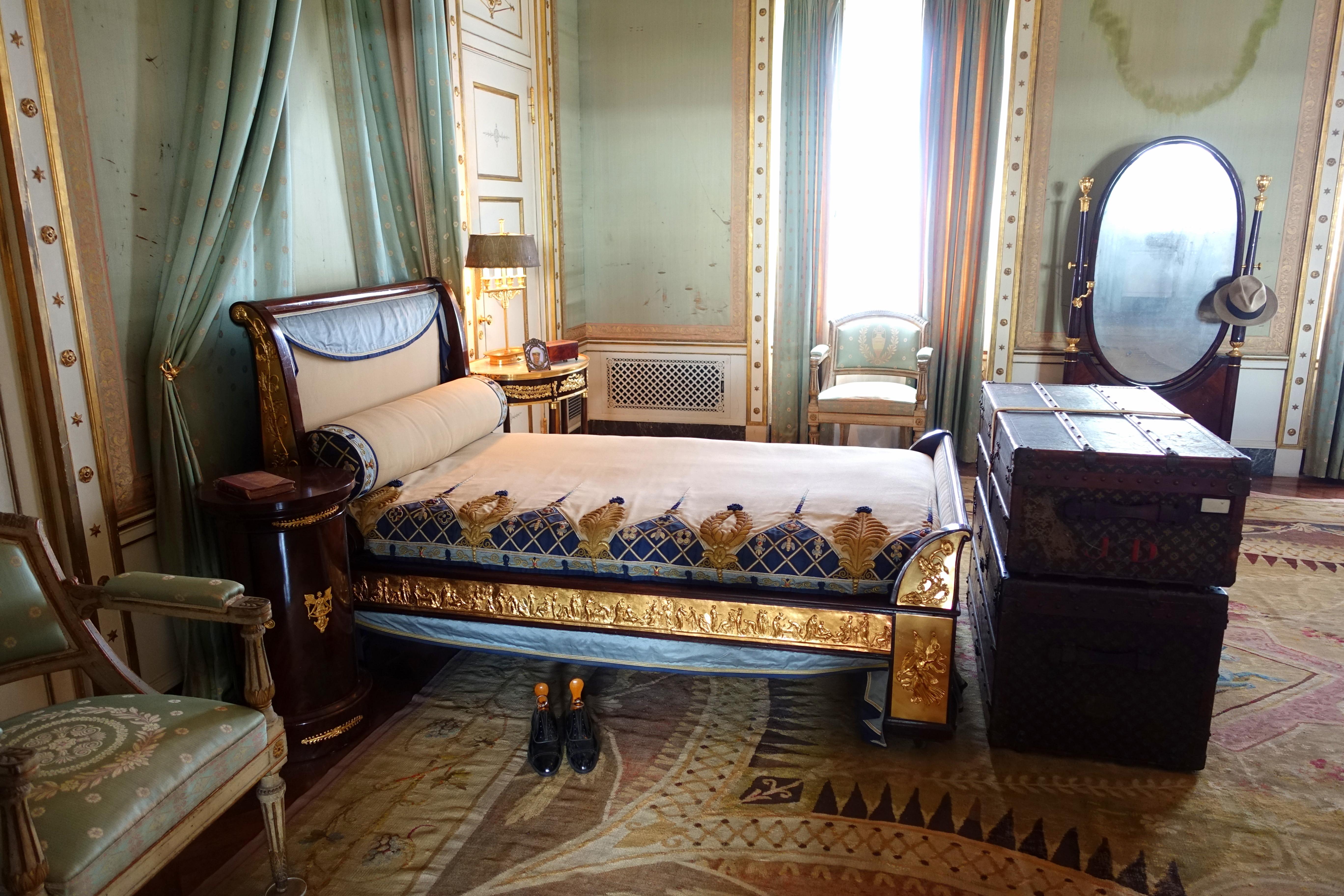 File:Deering Bedroom - Vizcaya Museum and Gardens - Miami ...