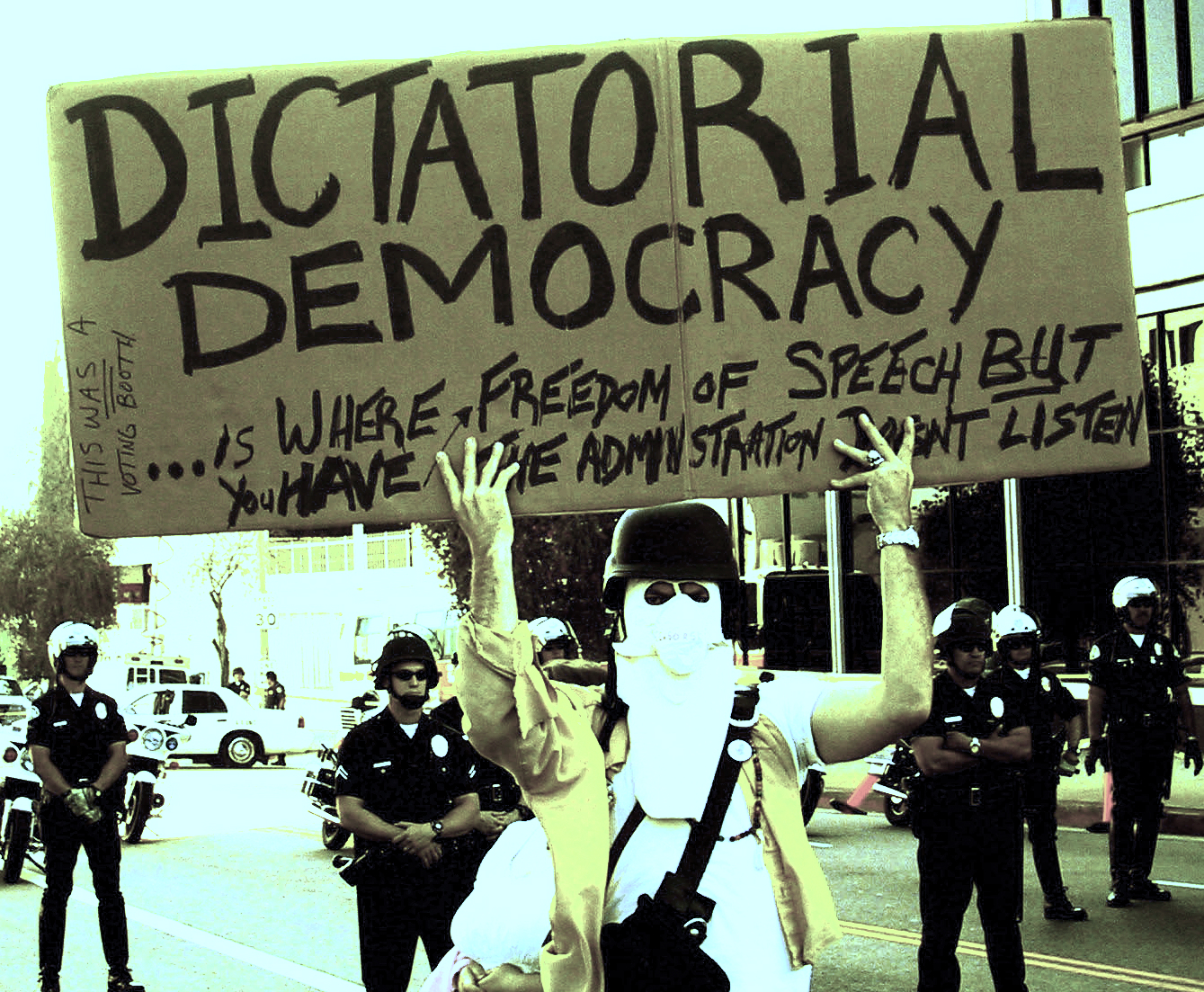 democracy vs dictatorship essay druggreport web fc com democracy vs dictatorship essay