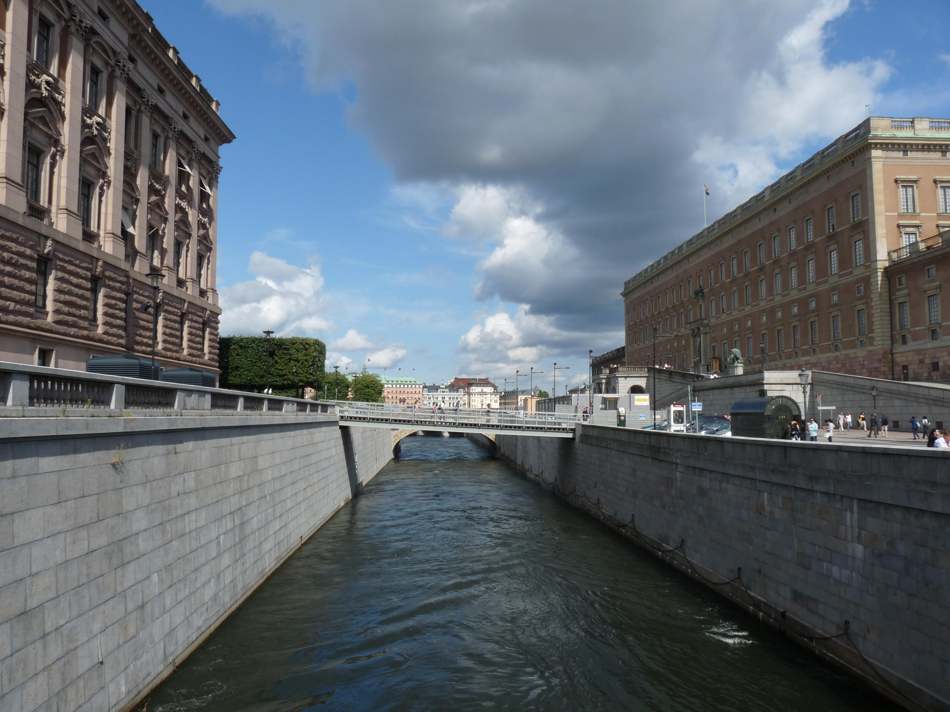 File:EU-SE-Stockholm-Channel water surface in center.JPG ...