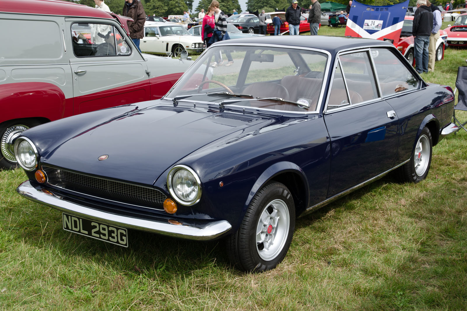 file fiat 124 sport coupe 1969 10275735714 jpg wikipedia. Black Bedroom Furniture Sets. Home Design Ideas