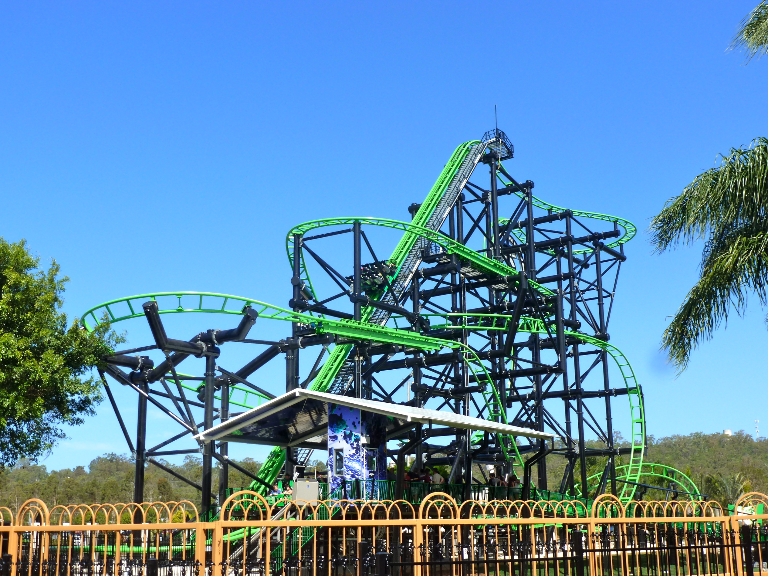 Green Lantern Coaster - Wikipedia