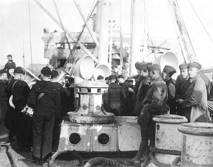 File:Greeting troops aboard USS Princess Matoika 20 December 1918.jpg