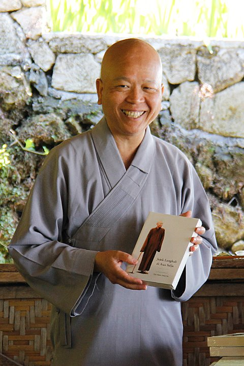 how to become a zen monk