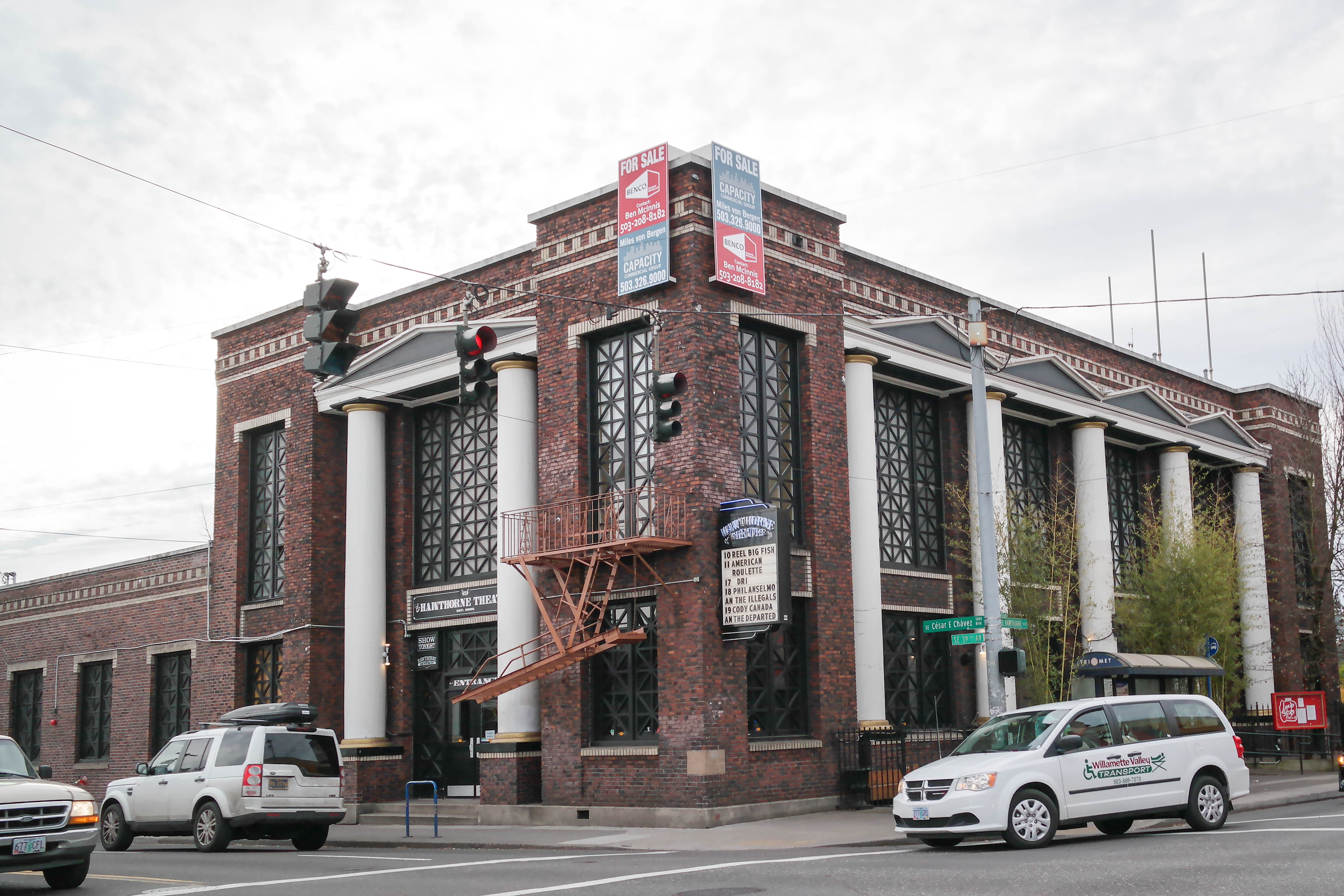 Delightful File:Hawthorne Theatre (Portland, Oregon)